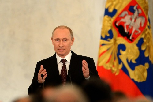 Putin signs treaty to make Crimea part of Russia