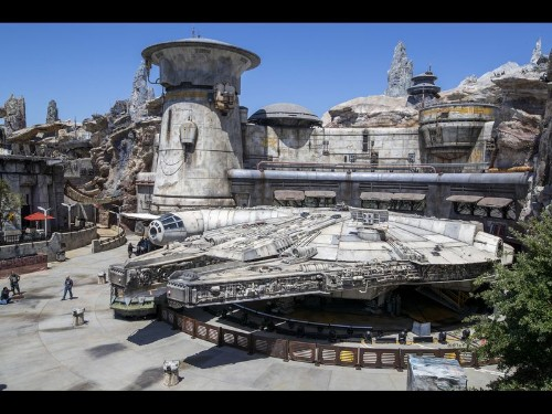 Star Wars: Galaxy's Edge review — the ride, the cantina, the irresistible loth cat