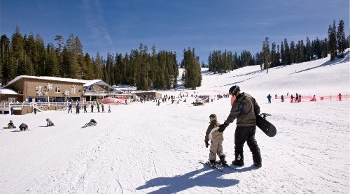 Deal: $100 season passes at Yosemite's ski area for National Park Service centennial