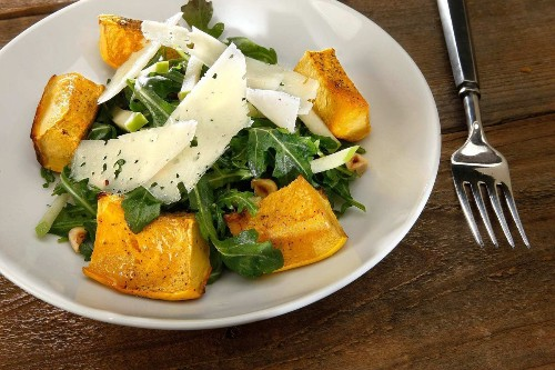 Recipe: Roasted acorn squash and apple salad