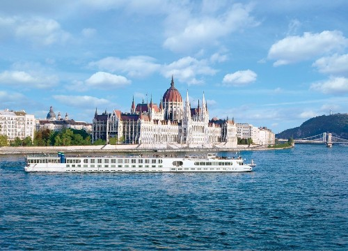 Sing with a Von Trapp on 'Sound of Music'-inspired Danube River cruise - Los Angeles Times