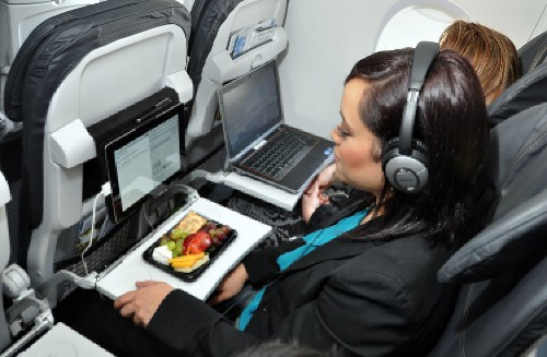 Alaska Airlines' new seats have power outlets but less cushion - Los Angeles Times