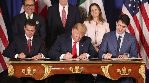 Trump's new NAFTA would hit the auto sector, report finds
