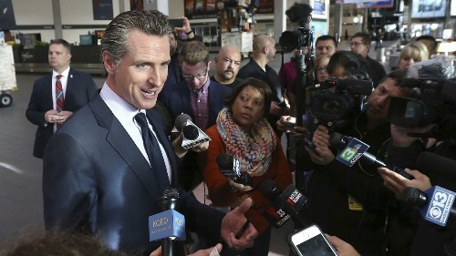 Gov. Gavin Newsom offers unemployment benefits to TSA workers, defying Trump administration - Los Angeles Times
