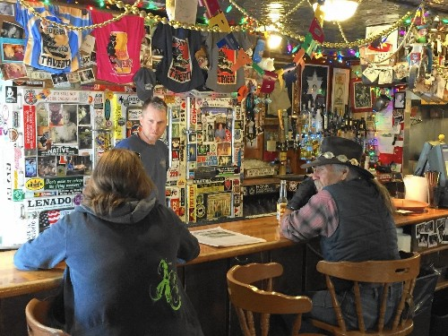 Spirit of Hunter S. Thompson lingers at his favorite Colorado bar