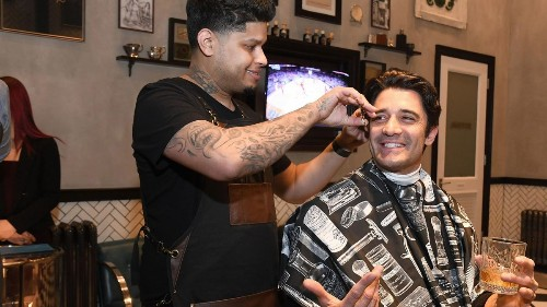 Have a cocktail with your cut at new Las Vegas barbershop