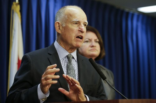 Gov. Jerry Brown signs bills benefiting prison inmates - Los Angeles Times