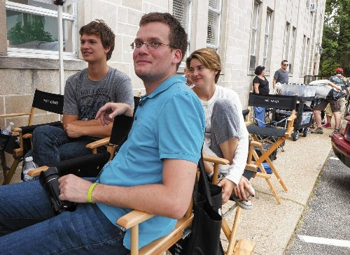 As 'The Fault in Our Stars' is filmed, John Green turns astrologer - Los Angeles Times
