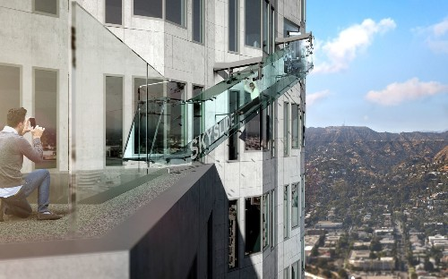 Glass slide airlifted onto U.S. Bank Tower in downtown L.A.