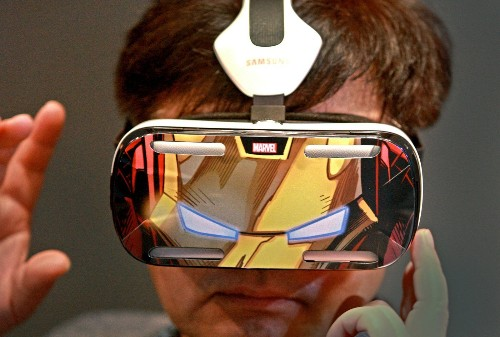 CES 2015: Movies, TV shows sync with wearables, Web-connected objects - Los Angeles Times