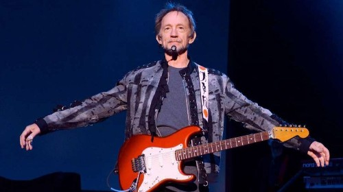 Peter Tork, beloved and offbeat member of the Monkees, dies at 77