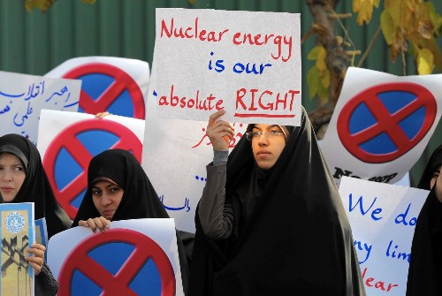 Protesters in Iran warn nuclear negotiators against caving in to West