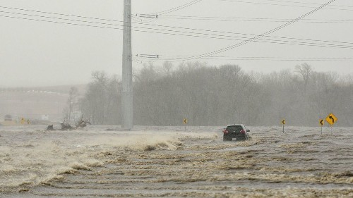 Emergencies declared across Midwest amid 'historic' flooding