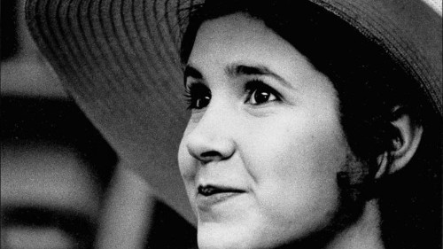 Carrie Fisher, child of Hollywood who blazed a path as 'Star Wars' heroine, screenwriter and author, dies at 60 - Los Angeles Times
