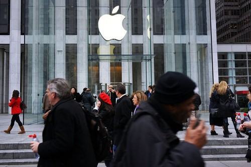 Apple testing larger screens for iPhone and iPad, report says - Los Angeles Times