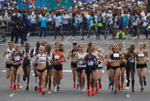 L.A. Marathon gets underway with more than 24,000 runners hitting the streets