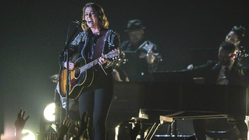 Brandi Carlile soaks up the Grammy love from Anna Kendrick, Kelly Clarkson