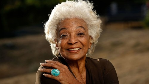 Nichelle Nichols, turning 85 today and still busy acting, talks about life after 'Star Trek' - Los Angeles Times