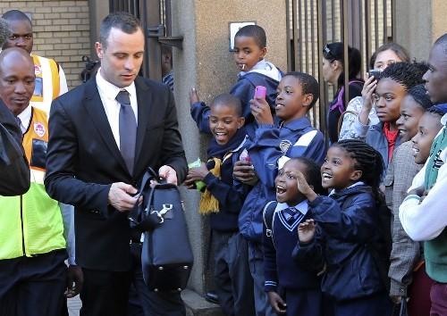 South African prosecutor seeks psychiatric test for Oscar Pistorius - Los Angeles Times