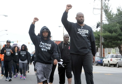 Baltimore police under scrutiny after death of 'black man running'