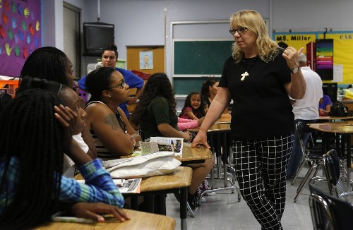 How parents and teachers should talk to each other - Los Angeles Times
