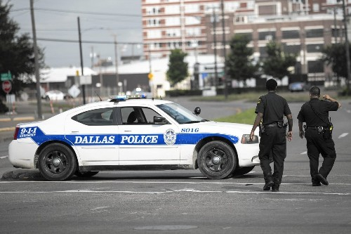 Self-appointed watchdogs of Texas police are in the streets and in your face - Los Angeles Times