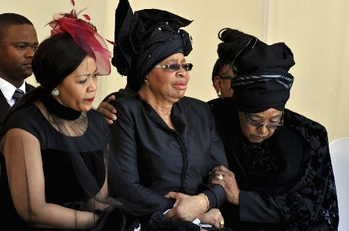 Ex-wife challenges Nelson Mandela's will, demands homestead