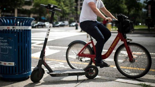 Huntington Beach moves to ban scooter and bicycle sharing services