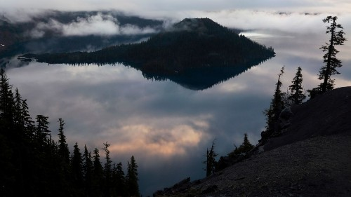 National park photo ops: Crater Lake reflects impressive colors at sunrise. Here's how to capture them
