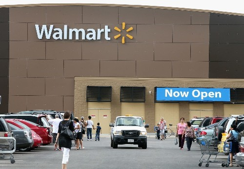 Wal-Mart to scale back chemicals in cosmetics, household products - Los Angeles Times