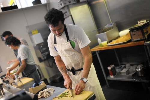 For novice restaurateurs, risk of failure is high - Los Angeles Times