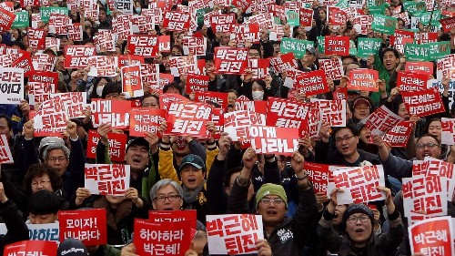 Tens of thousands of South Koreans call for Park to quit - Los Angeles Times