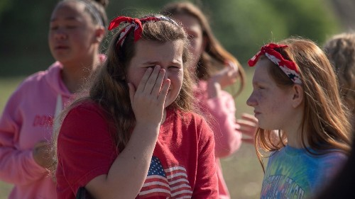 Indiana teacher who stopped school shooting was shot three times as he subdued gunman - Los Angeles Times