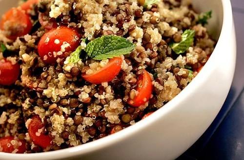 Recipe: Quinoa lentil salad with tomatoes