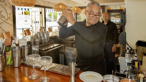 On Food: Celebrating 40 years, Las Brisas makes itself over with a new menu, interior