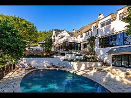 Hot Property: Adam Levine and Ellen DeGeneres make music in the housing market
