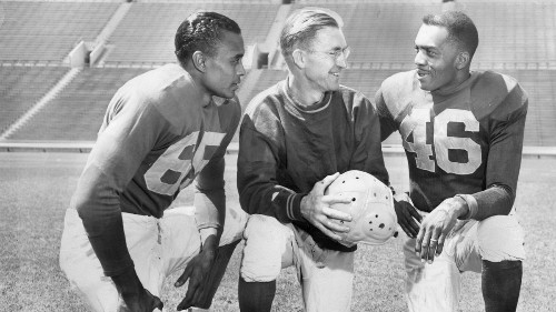 Here's a way to celebrate the Rams' L.A. return — by finally honoring the men who desegregated football 70 years ago