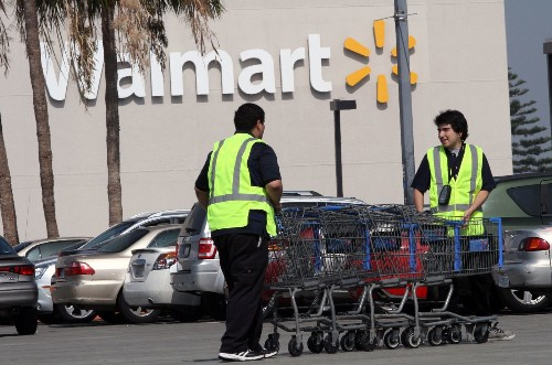 Wal-Mart pay hike raises hopes of workers and shoppers