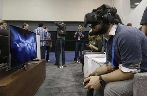 Facebook shares fall 7% on Oculus deal - Los Angeles Times