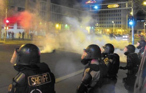 In Albuquerque, police killings divide law enforcement agencies - Los Angeles Times