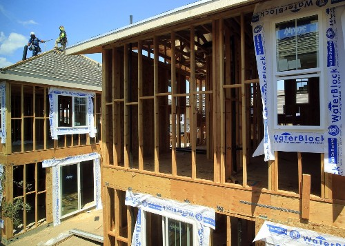 Wage growth lags far behind home prices, report finds