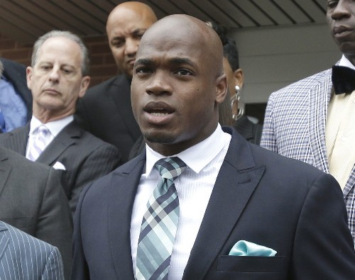 Players union files suit against NFL to reinstate Adrian Peterson