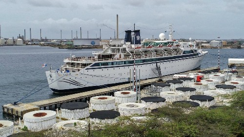 Measles scare forces 28 to remain on Scientology ship in Curacao