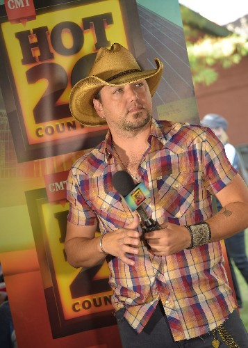 Jason Aldean defends his relationship with Brittany Kerr - Los Angeles Times