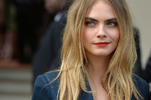Model Cara Delevingne to play female lead in 'Paper Towns' - Los Angeles Times