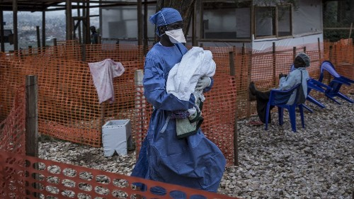 Ebola spreads to major Congo city; experts fear experimental vaccine stock won't suffice - Los Angeles Times