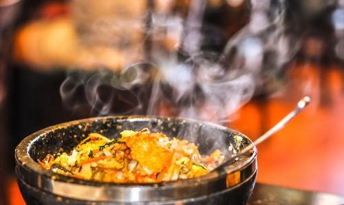 At Hangari Bajirak Kalgooksoo in Koreatown, great bowls of handmade noodles