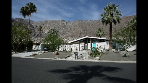 In Palm Springs, a renovation to meld midcentury, modern, light and art - Los Angeles Times