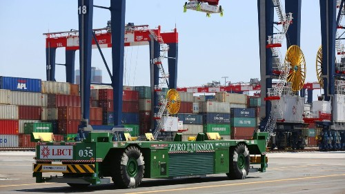 Heated battle over automation and jobs at Port of L.A. moves to City Council