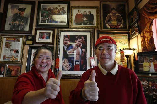 Mayweather vs. Pacquiao: L.A. fans pull for local hero with 'good heart' - Los Angeles Times